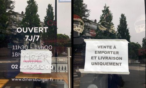 """photographie présentant deux devantures:  sur la première des horaires d'ouverture, une affichette """"UBER ICI"""" et les coordonnées du restaurant sur la deuxième une affichatte """"vente à emporter et livraison uniquement"""""""